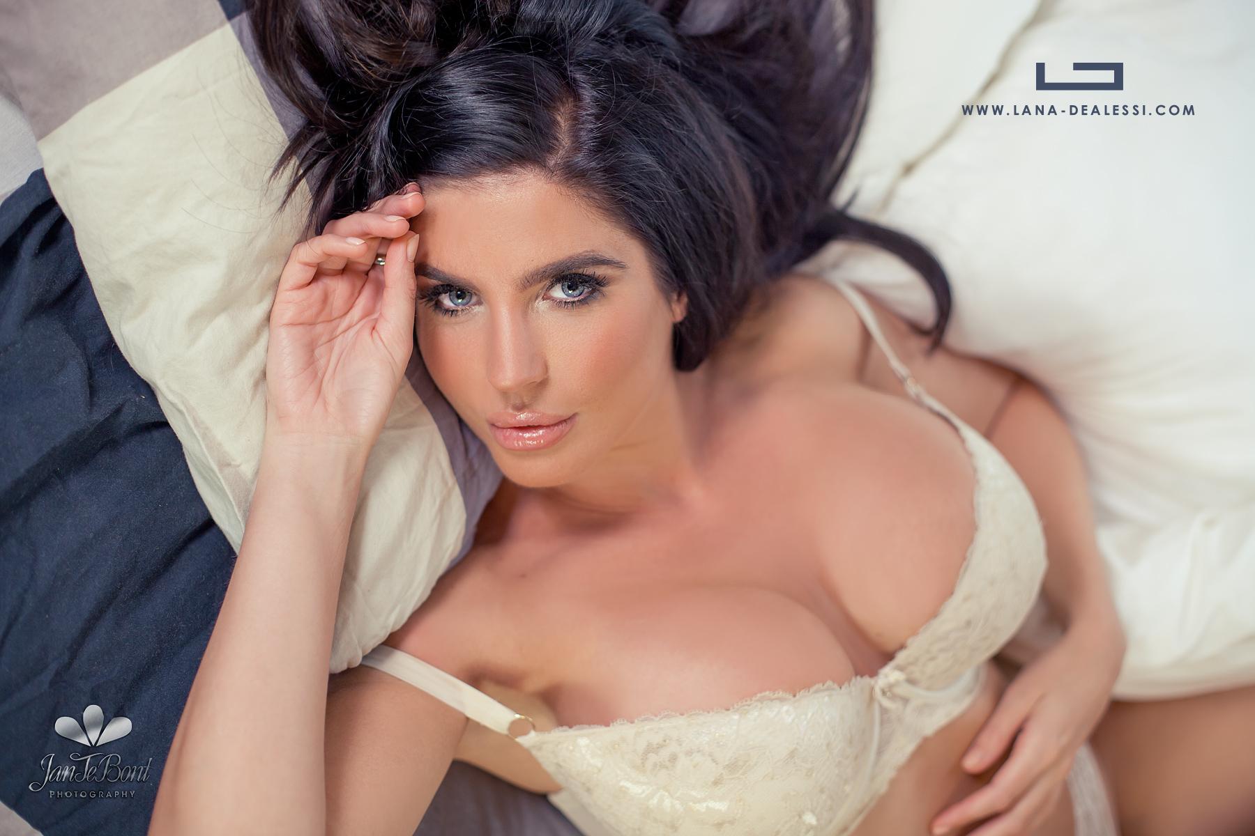 Lana Dealessi brunette lips longhair model glamour busty big boobs beauty sexy perfect girl lady woman jan te bont jantebont JTB doutze